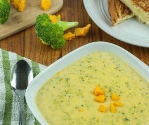 Instant Pot Broccoli and Cheddar Cheese Soup