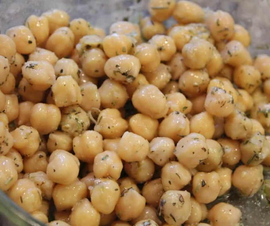 Season Chickpeas with Spices Air Fryer Za'atar Spiced Chickpeas