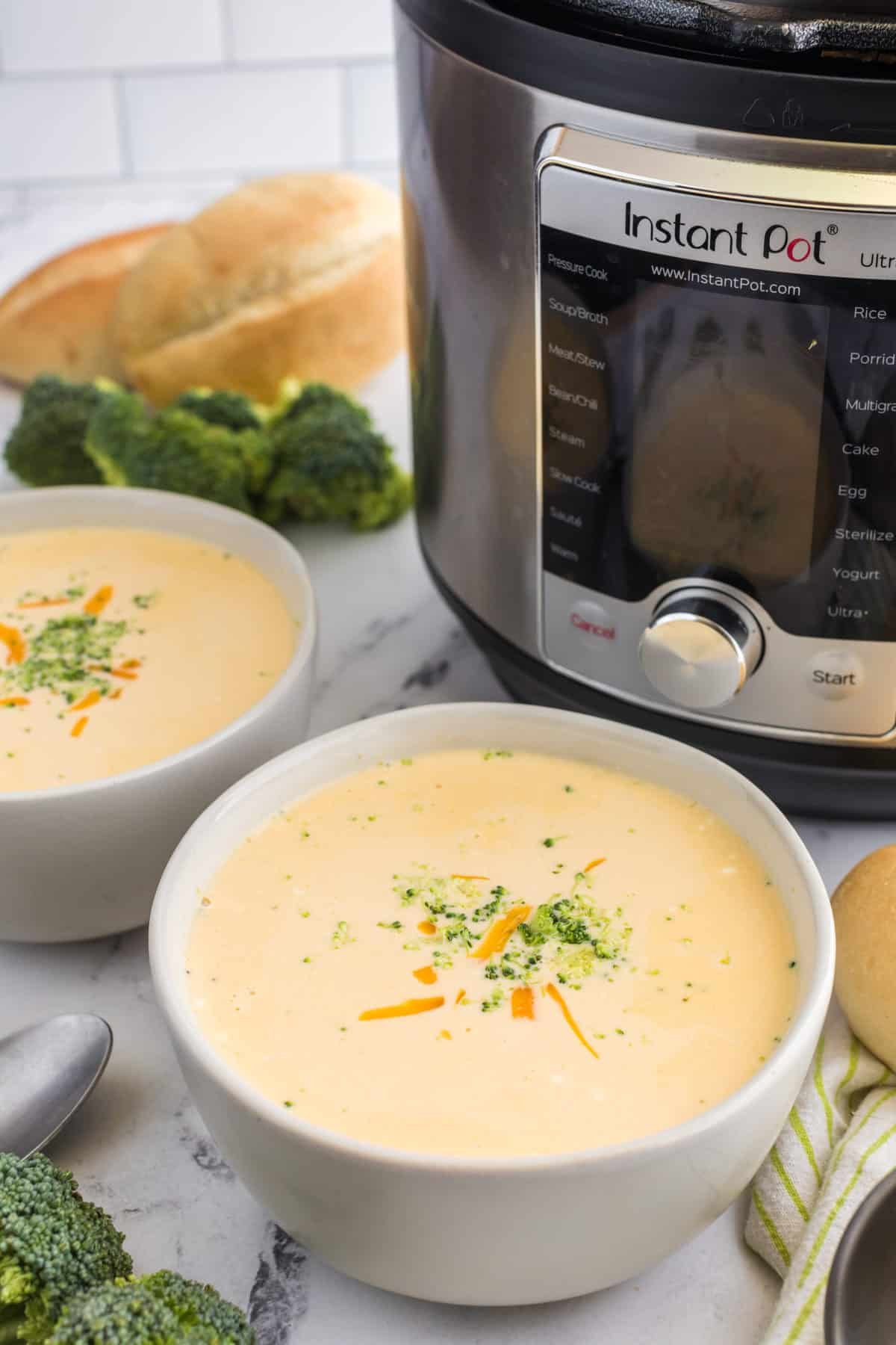 Instant Pot Copycat Panera's Broccoli and Cheddar Soup