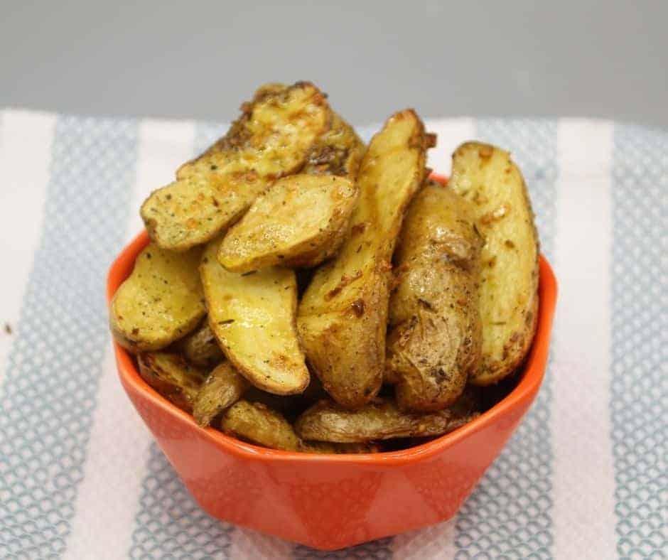 Air Fryer Garlic Roasted Fingerling Potatoes
