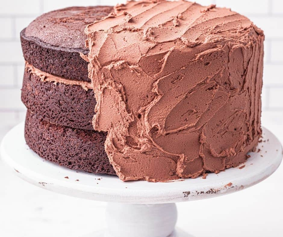 Chocolate Frosted Cake With Buttercream