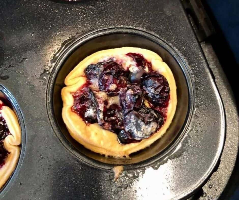 Filling in Air Fryer Blueberry Pie