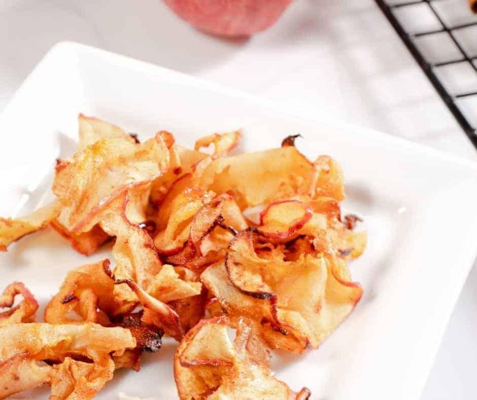 Air Fryer Apple Chips Recipe #applechips #glutenfree #airfryersnackrecipes #airfryerrecipes