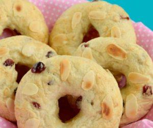 Air Fryer Cranberry Bagels