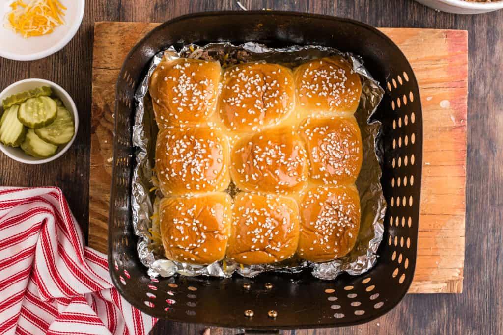 Air Fryer Cheeseburger Sliders In Basket