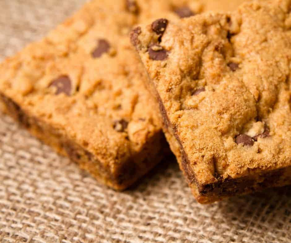 Air Fryer Chocolate Chip Cookie Bars