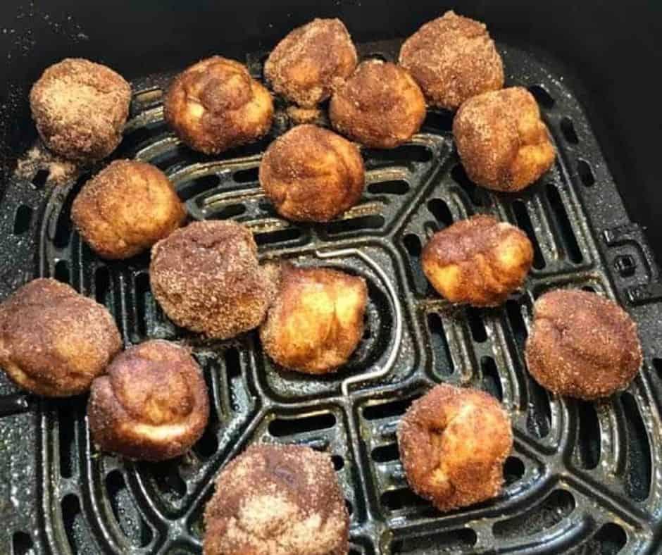 Cinnamon Rolls in Air Fryer
