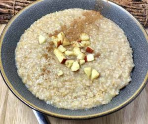 Instant Pot Easy Apple Pie Oatmeal