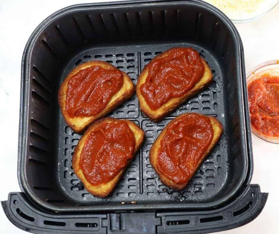 Texas Toast With Sauce